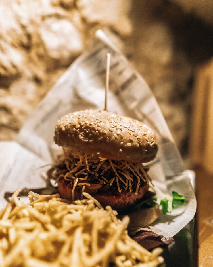 Vegan restaurants in Lisbon, Portugal - Beyond burger in The Botanical Den